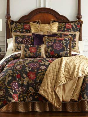 Classics Escapade 4Piece Comforter Set