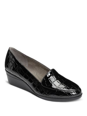 True Match Embossed Leather Pumps by Aerosoles