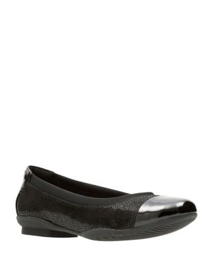 Neenah Leather Cap-Toe Flats by Clarks