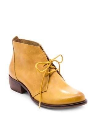 Isaac Leather Chukka Boots by Latigo