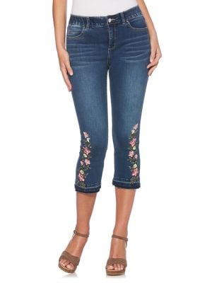 Plus Floral Embroidered Jeans 500088101009