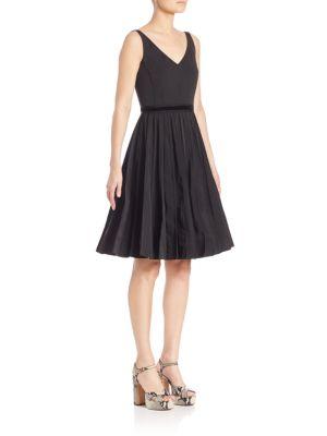 marc jacobs female 188971 sleeveless vneck dress