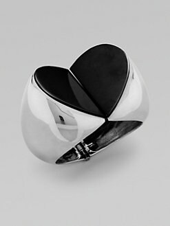 Vionnet - Heart-Shaped Statement Bangle Bracelet