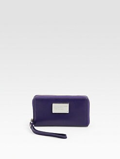 Marc by Marc Jacobs - Classic Q Wingman Wristlet