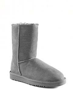 UGG Australia - Classic Short Sheepskin Boots