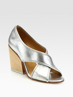 A Detacher - Bourgeois Crisscross Metallic Leather Sandals