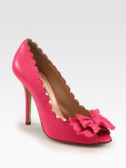 Oscar de la Renta - Scalloped Leather Bow Pumps