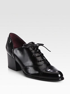Stuart Weitzman - Manned Leather Lace-Up Oxford Pumps