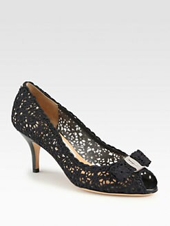 Salvatore Ferragamo - Isaka Lace Bow Pumps