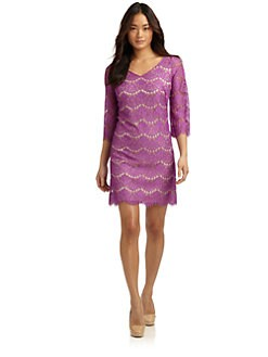 Alexia Admor - V-Neck Lace Shift Dress