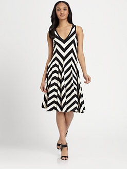 DKNY - Sleeveless V-Neck Dress
