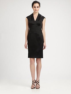 Kay Unger - Appliqu&eacute;d-Neckline Stretch Satin Dress