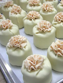 Elegant Cheesecakes - Mini Ruffle Cheesecakes