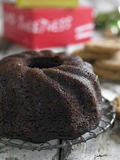 Dancing Deer - Deep Dark Gingerbred Cake & Molasses Clove Cookies