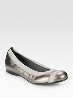 Stuart Weitzman - Giveable Metallic Leather Ballet Flats