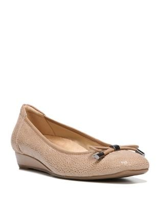 Dove Pebble Leather Pumps by Naturalizer