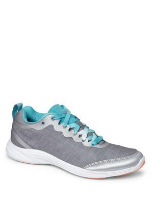 Fyn Sneakers by Vionic