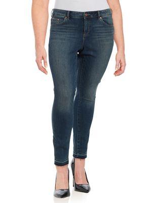 Plus Frayed Cuff Jeans 500088068025