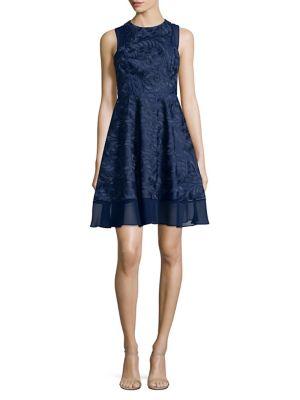Sleeveless Lace Dress...