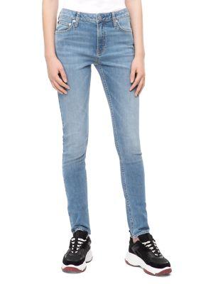 021 Mid-Rise Slim Jeans