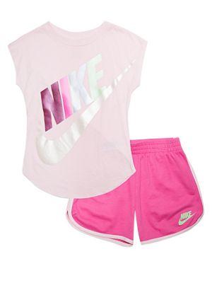 22efc55b75081 Ensemble t-shirt Futura et short pour bébé fille. Nike