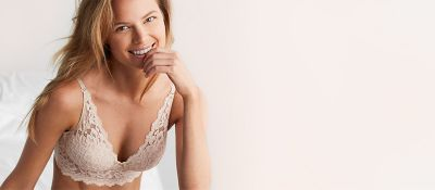 Congratulate, what Teen in strapless bra porn something is