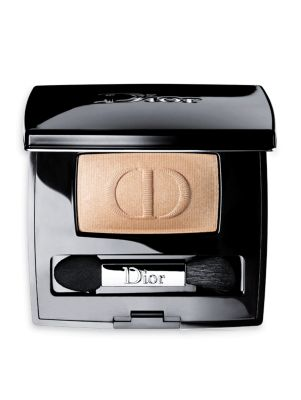Image of Diorshow Mono, the eyeshadow used by the Dior makeup artists, was inspired by the fabric textures of the brand's fashions - matte, silky, ultra-glittery and lame - and features super-saturated hues to deck the eyes in long-lasting colors with radiant fini