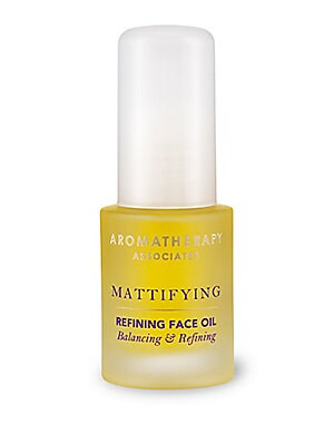 Image of A daily conditioning oil to help bring your skin's natural oils into balance. The renowned properties of Lavender come together with balancing Ylang Ylang and soothing Jojoba in this light daily face oil to leave the skin comfortable and conditioned. Dire