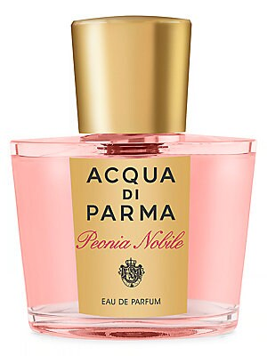 Image of A refined interpretation of the peony flower, which unveils its sublime elegance in this fragrance. Vibrant accents of black pepper blended with soft notes of raspberry characterize the opening of this refined bouquet. The intense floral heart reveals sum