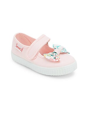 Image of Vibrant floral bow complements this comfy silhouette Adjustable grip tap strap Canvas upper Canvas lining Rubber sole Made in Spain. Children's Wear - Children's Shoes > Saks Fifth Avenue. Cienta. Color: Pink. Size: 34 EU/ 2.5 US (Child).