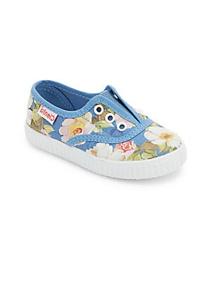 Image of Beautiful floral print charms these no lace sneakers Contrast eyelets Slip-on style Canvas upper Canvas lining Rubber sole Made in Spain. Children's Wear - Children's Shoes. Cienta. Color: Blue. Size: 34 EU/ 2.5 US (Child).
