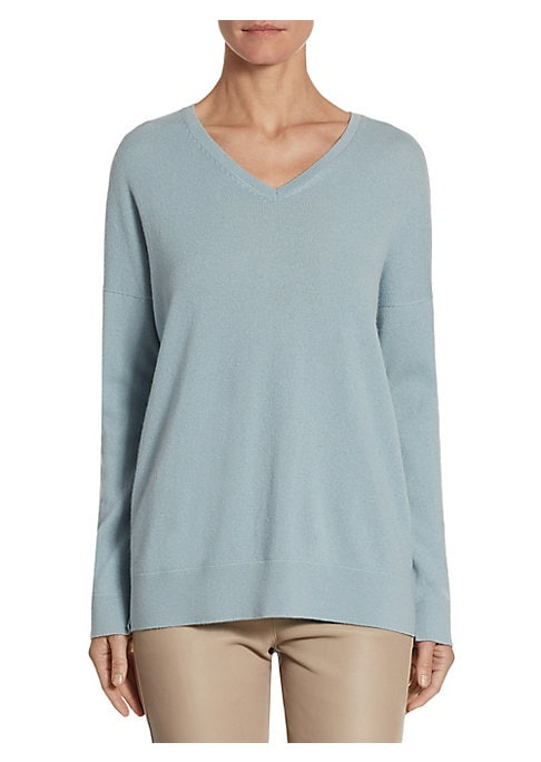 """Image of Classic textured pullover in luxe cashmere.V-neck. Dropped shoulders. Long sleeves. About 27"""" from shoulder to hem. Cashmere. Dry clean. Made in Italy. Model shown is 5'10"""" (177cm) wearing US size 4."""