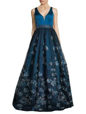 BASIX BLACK LABEL Sweetheart Floral-Embroidered Gown in Navy