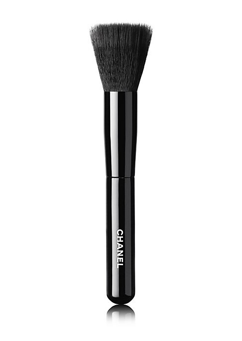 Image of A blending foundation brush that provides flawless, even application of all foundation types - from fluid to cream to powder - and produces a naturally luminous effect. Imported.