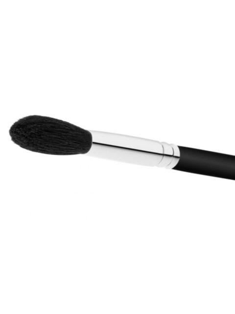 MAC 116S Blush Brush   SaksFifthAvenue