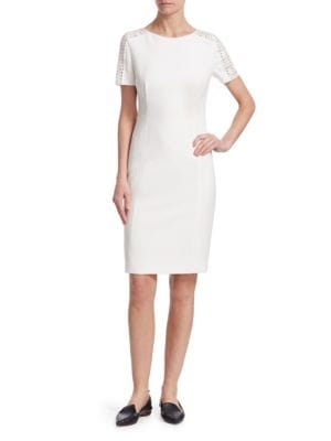 AKRIS PUNTO Crewneck Lace-Shoulder Short-Sleeve Jersey Sheath Dress in Cream