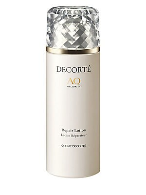 Image of A high performance essence-lotion that contains concentrated plant-derived active ingredients to instantly boost skin's ability to absorb and retain moisture for beautiful skin. With Japanese Onsen Water and botanical extracts brimming with vital energy,
