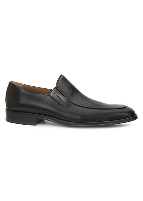 Image of Essential loafers finished in Italian leather. Leather upper. Apron toe. Slip-on style. Leather lining. Rubber sole. Bologna construction. Made in Italy.