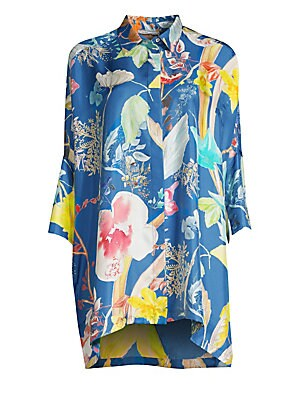 Image of Crafted in rich silk twill, this poncho-sleeve blouse is finished with dreamy florals and a minimalist long-line silhouette. Point collar Three-quarter length cape sleeves Front covered button close Vented hem Silk Dry clean Made in Italy SIZE & FIT Relax