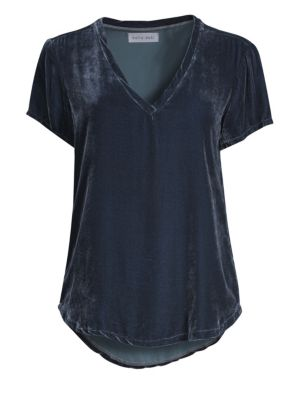 BELLA DAHL Velvet V-Neck T-Shirt in Midnight