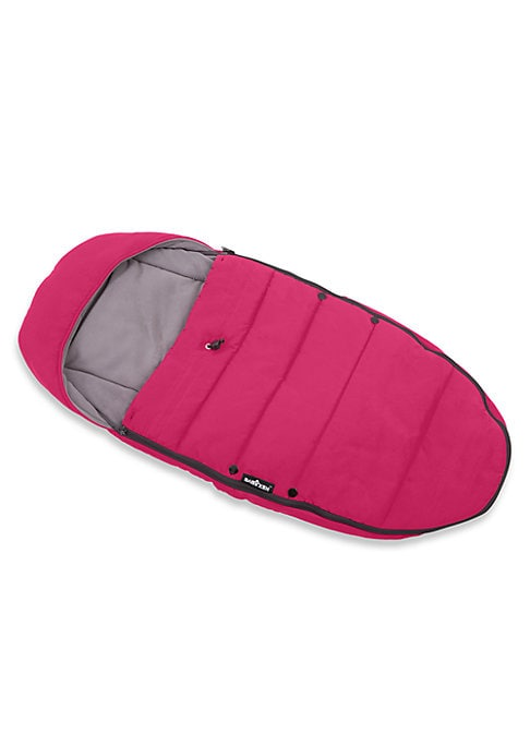 Image of With a cozy fleece lining, this footmuff will make sure your baby is comfy, whatever the weather. Zip-around zippers. Fully detachable top part can be used as a seat liner. Fits all Yoyo strollers. Accommodates 5-point harness. Polyester fleece lining. Ny