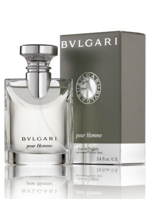 Image of A refined men's fragrance expressing contemporary luxury. The scent is characterized by the elegance of Darjeeling tea. Made in Italy.