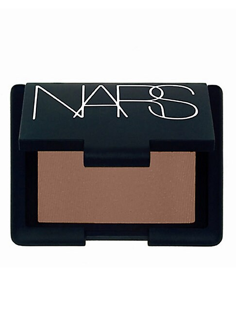 Image of Soft, supple cream-to-powder formula that provides long-lasting color. The ultra-pigmented shades are balanced in a lightweight texture, transparent in application. The soft-blending formula can be worn alone or layered under powder eyeshadow for long-las