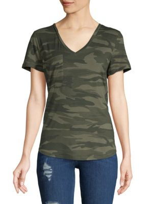 SWEET ROMEO Camouflage V-Neck Tee in Green